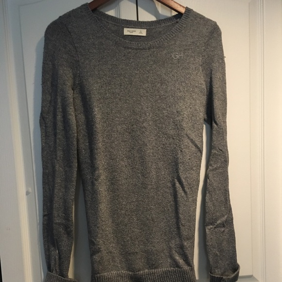 Gilly Hicks women's grey sweater size S